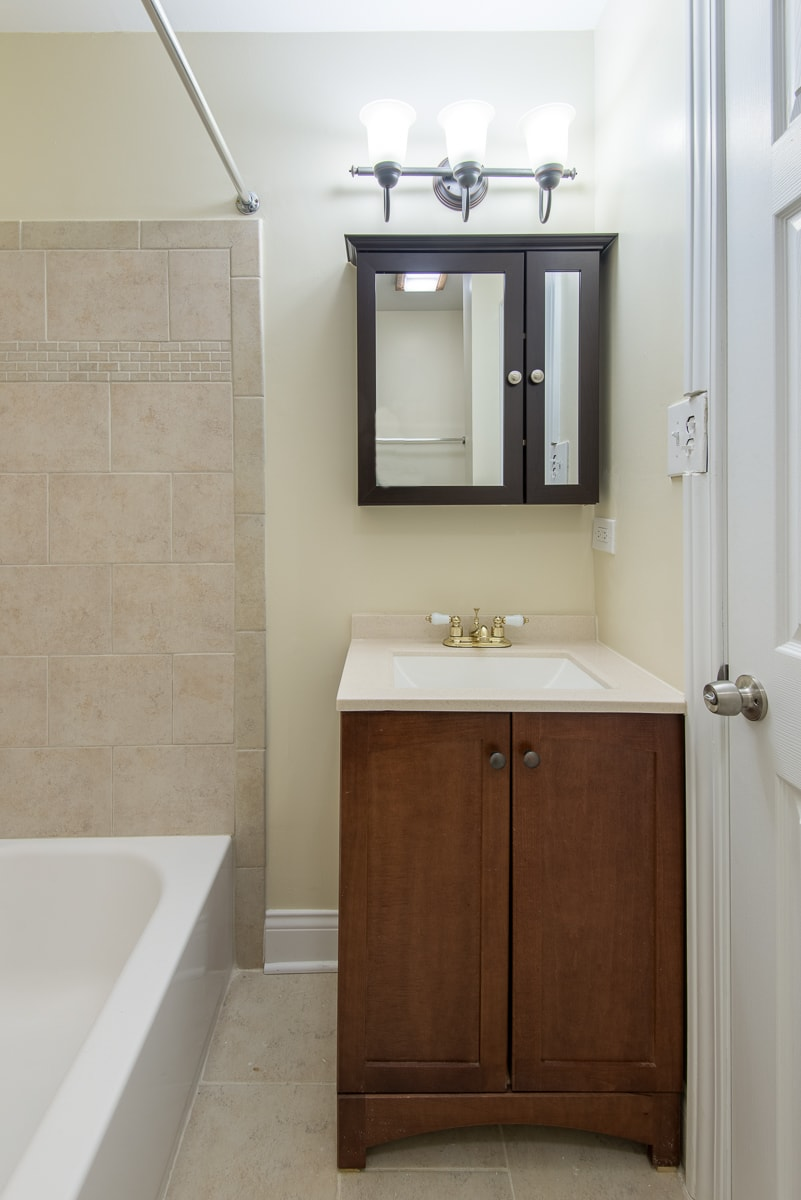 Renovated Two Bedroom Duplex- Bathroom