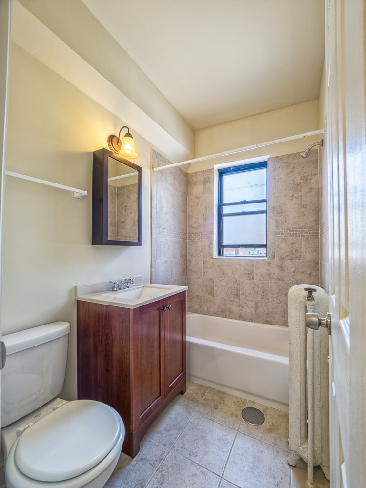 Renovated Studio - Bathroom