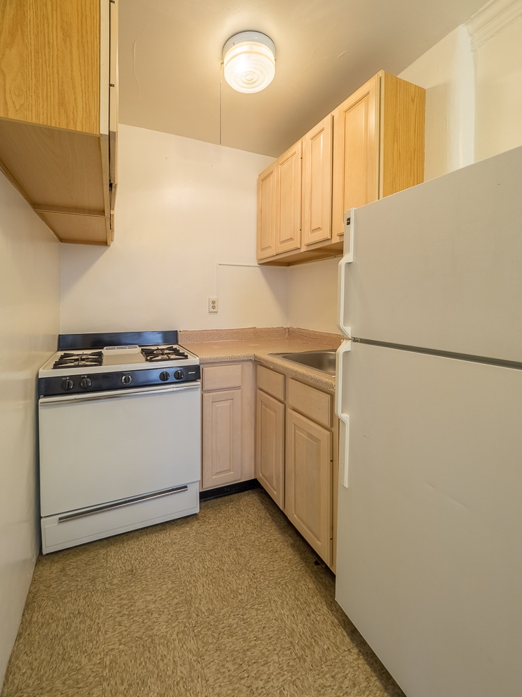 Two Bedroom - Eat-in Kitchen