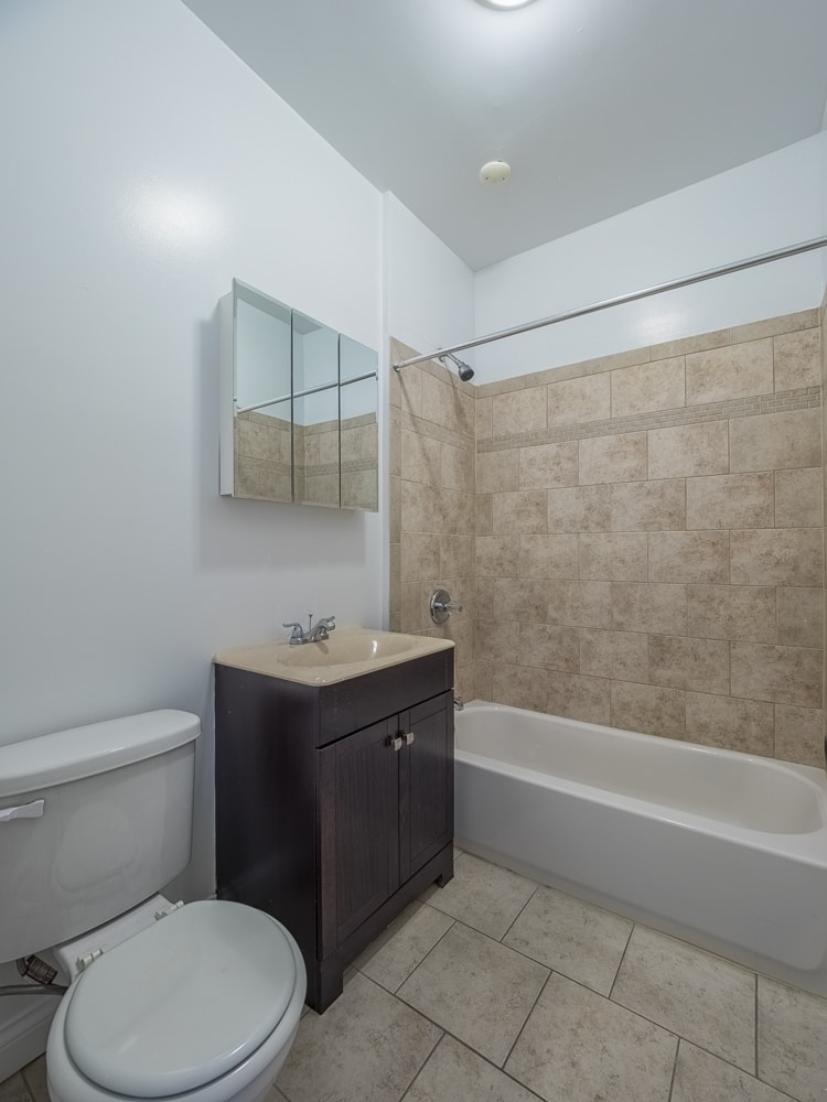 Renovated Three Bedroom - Bathroom