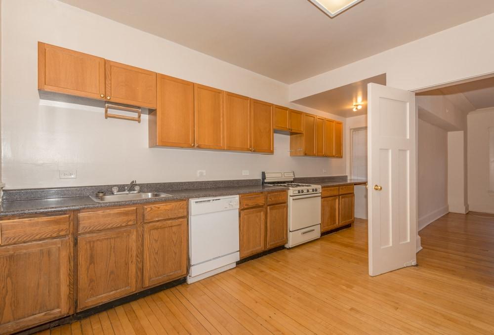 Three Bedroom - Kitchen