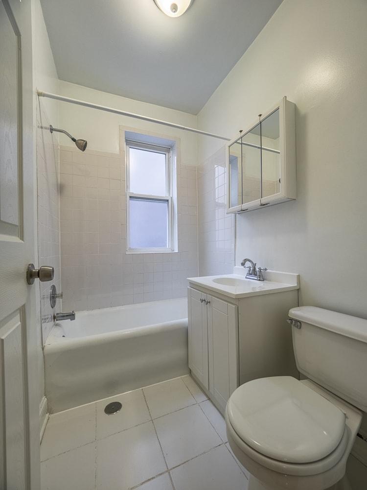 Renovated Studio - Bathroom