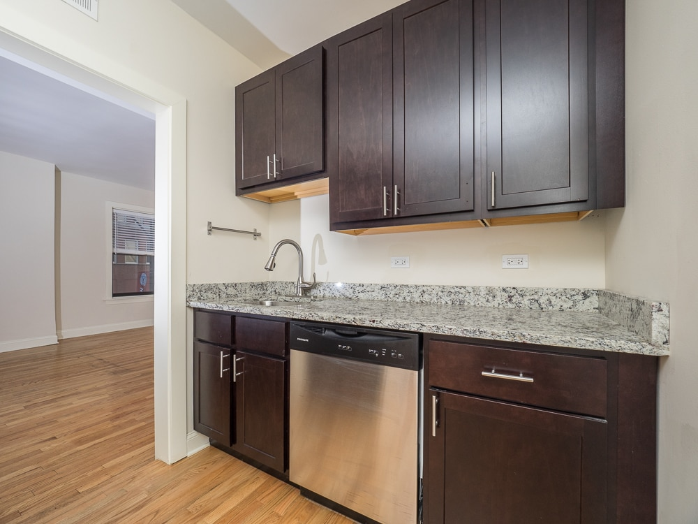 Renovated Two Bedroom - Eat-in Kitchen