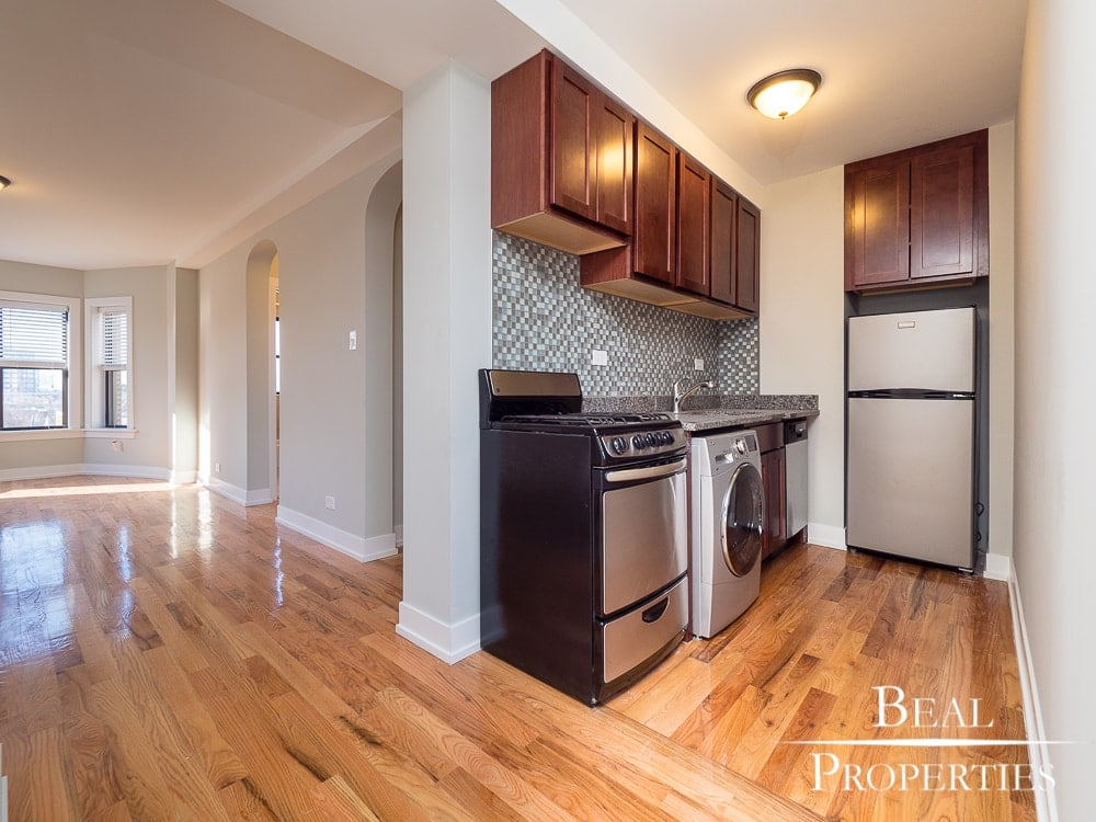 One Bed Renovated - Kitchen
