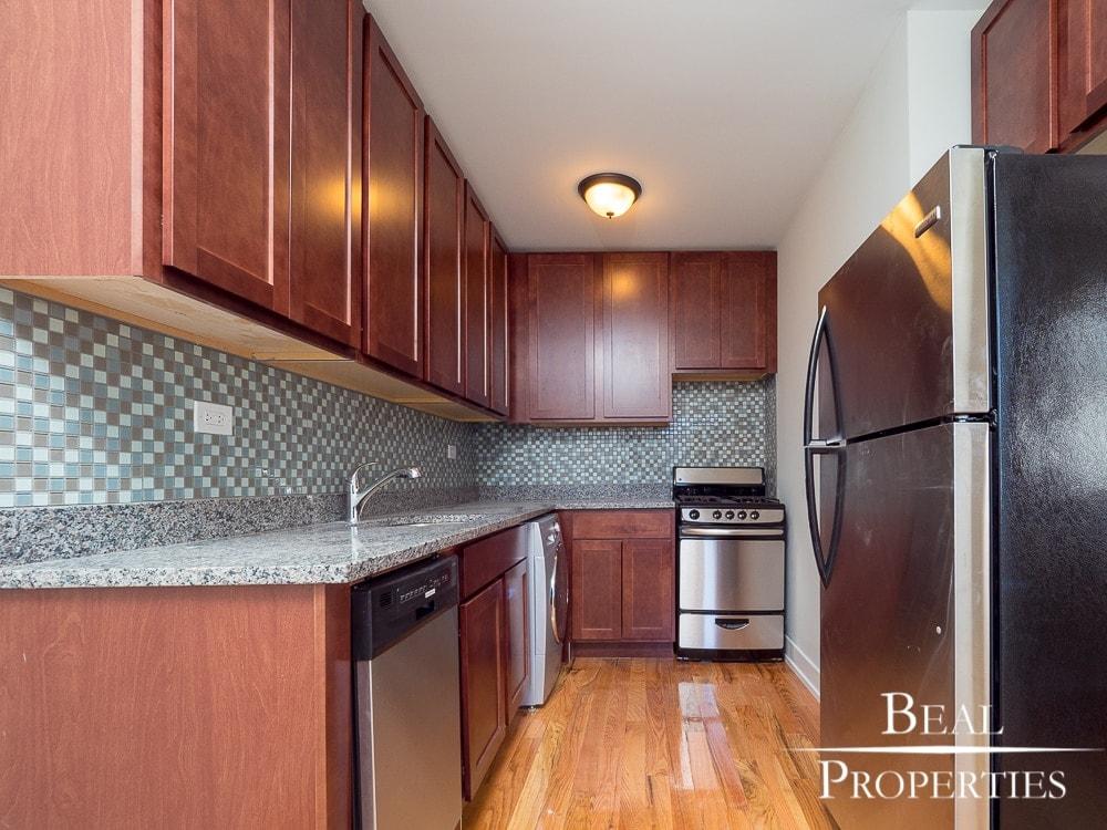 Studio Renovated - Kitchen